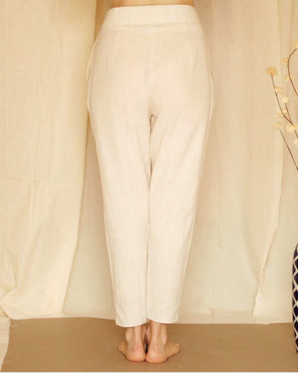 White waist tie up pants 1